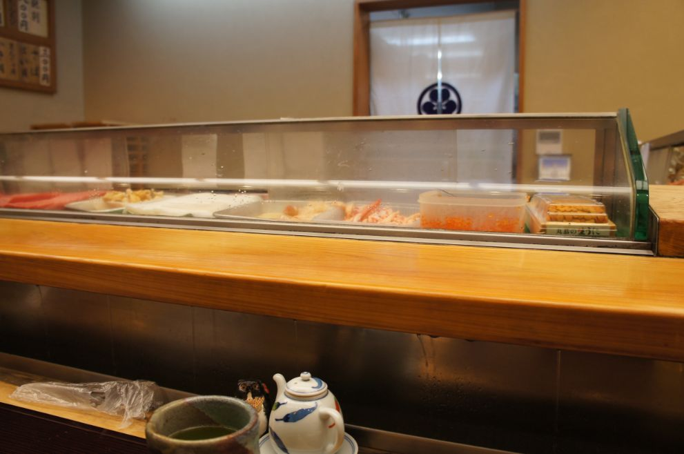 寿司処松ののカウンター