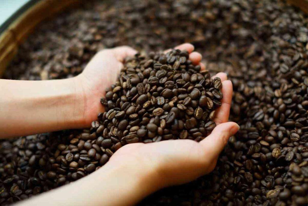 覚醒効果が得られるカフェインの摂取量は?