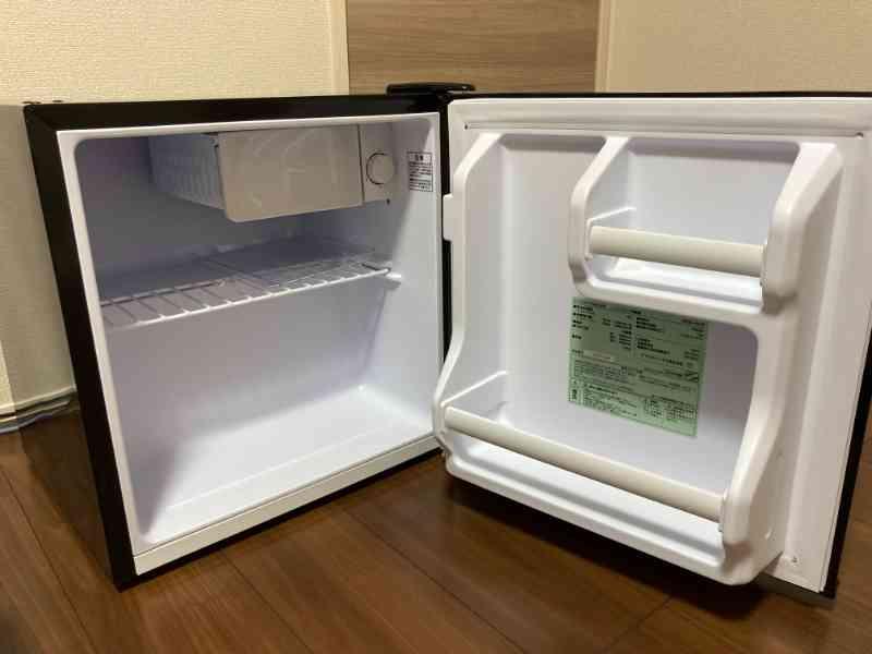 アイリスオーヤマ製ミニ冷蔵庫